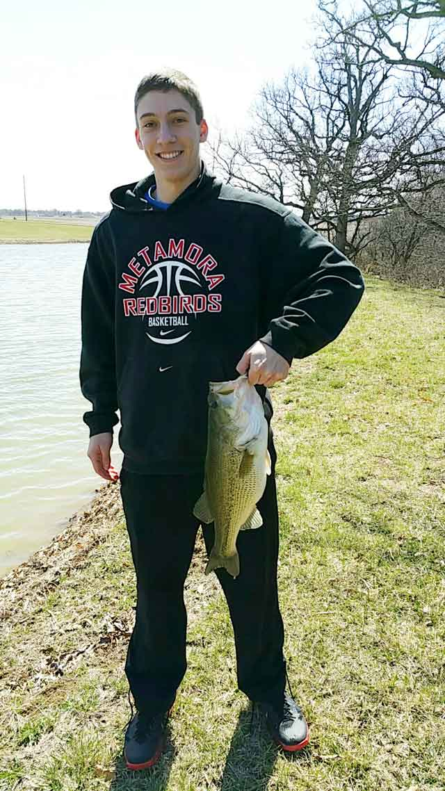 boy catches this 5.13 pound large mouth Easter Sunday at a private pond out in Metamora!